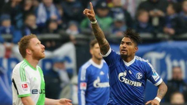 Na raça, Schalke vence Wolfsburg e sobe na tabela do Alemão
