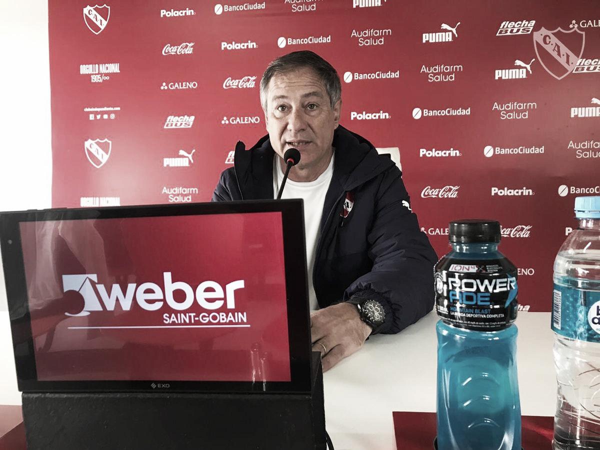 """Ariel Holan: """"Hay que seguir creciendo y la Superliga es parte de eso"""""""