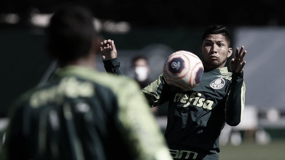 Rony consegue efeito suspensivo e reforça Palmeiras no clássico contra Corinthians