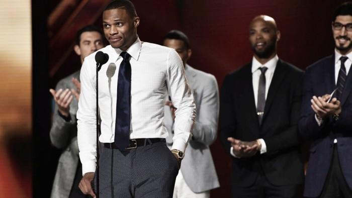 Westbrook monopoliza los focos en la primera ceremonia de los 'NBA Awards'