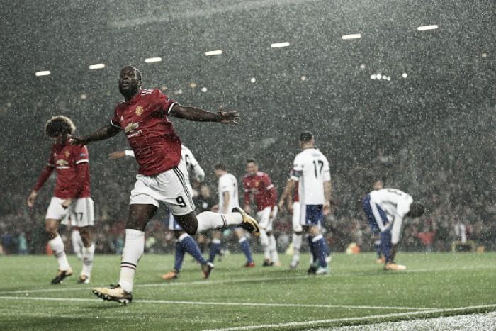 United supera Basel no retorno à Champions League após quase dois anos