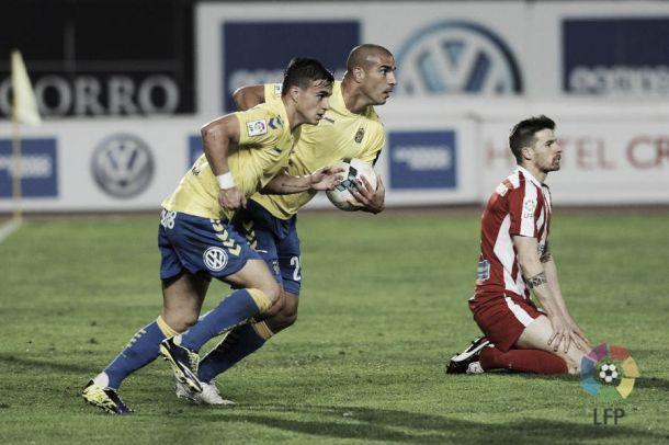 Aranda devuelve la fe a Las Palmas y salva a Lobera