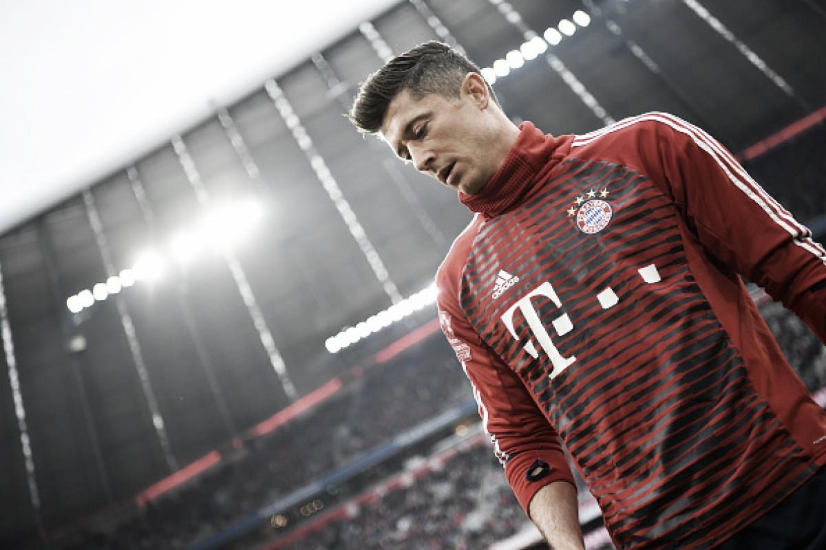 Lewandowski em noite mágica: triplete eleva atacante como maior goleador estrangeiro do Bayern
