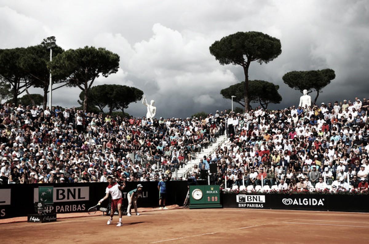 Djokovic avanza con suma autoridad