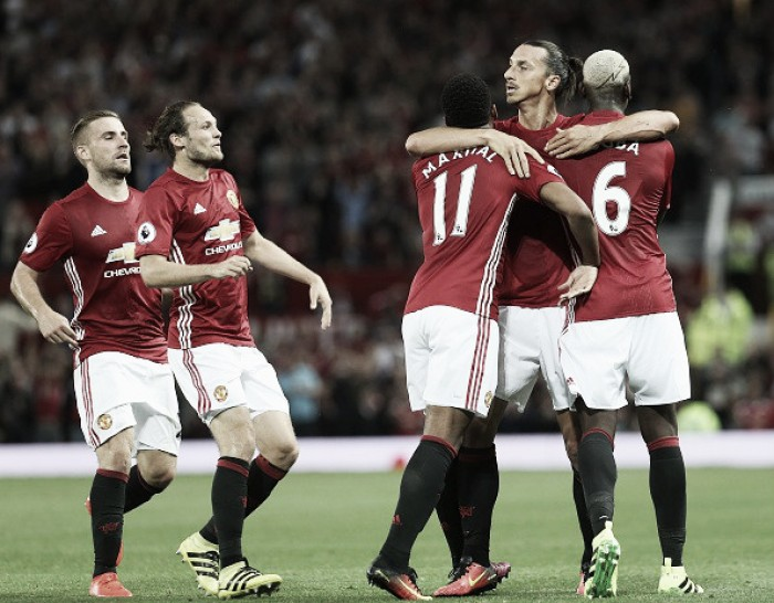 Equilíbrio defensivo e amplo poderio de fogo: o raio-x do United para o dérbi de Manchester