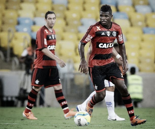 Flamengo devolve Feijão ao Bahia e mantém Rafinha no clube baiano