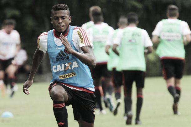 Marcelo Cirino sente dores musculares e vira dúvida para partida diante do Sport