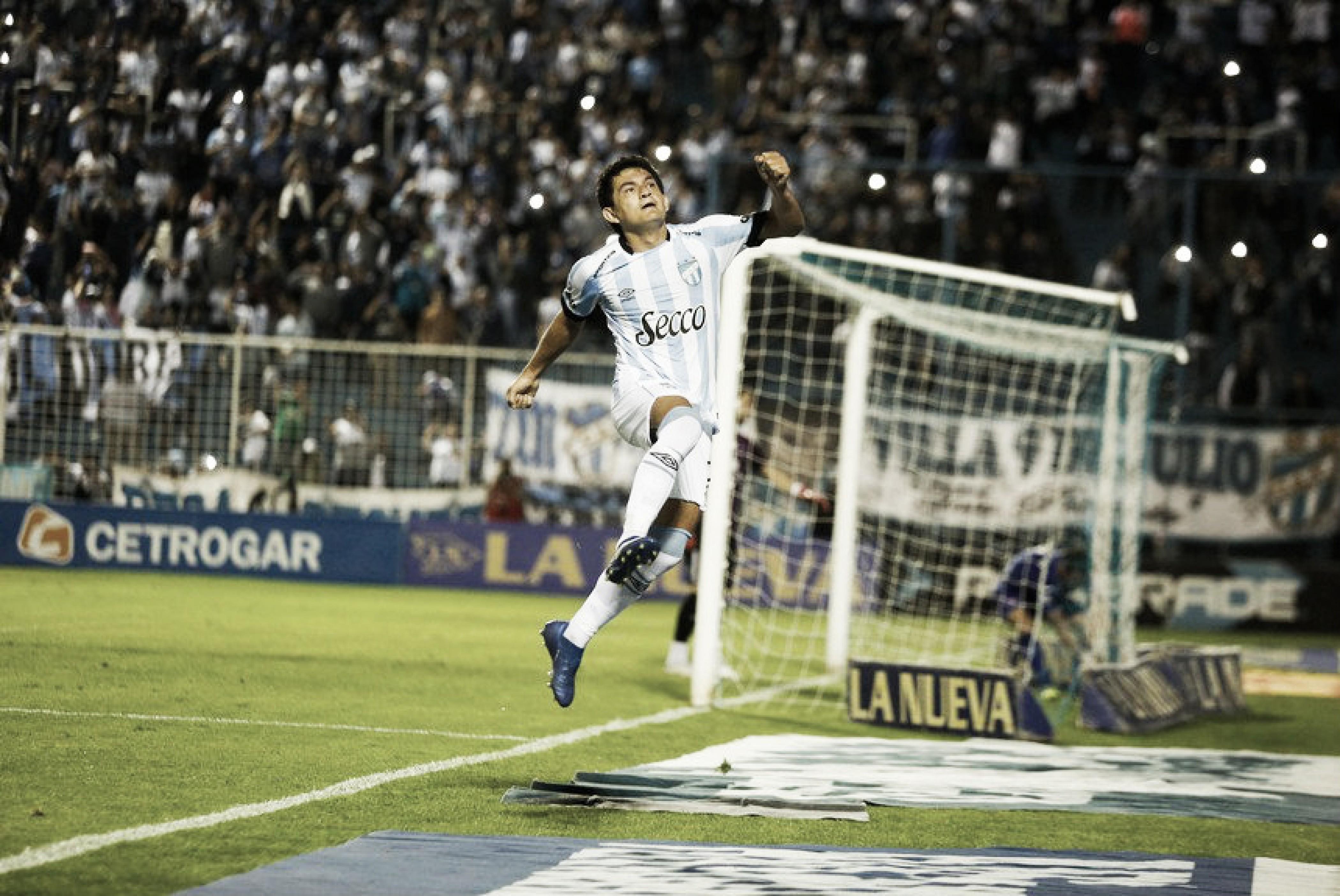 """Luis Rodríguez: """"Pensar en la tabla de arriba para no pensar en el descenso"""""""