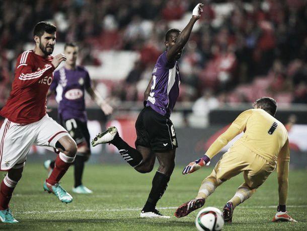 Benfica x Vitória FC: o duelo repete-se mas agora com pressão portista