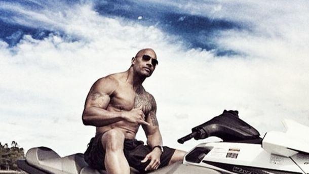Dwayne Johnson confirma que será protagonista de 'Los vigilantes de la playa'