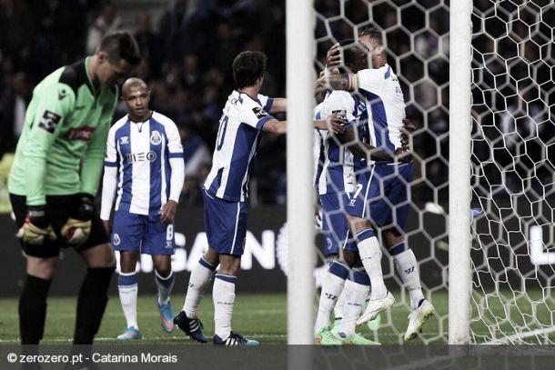 FC Porto vence Arouca e mantém a pressão sobre o líder