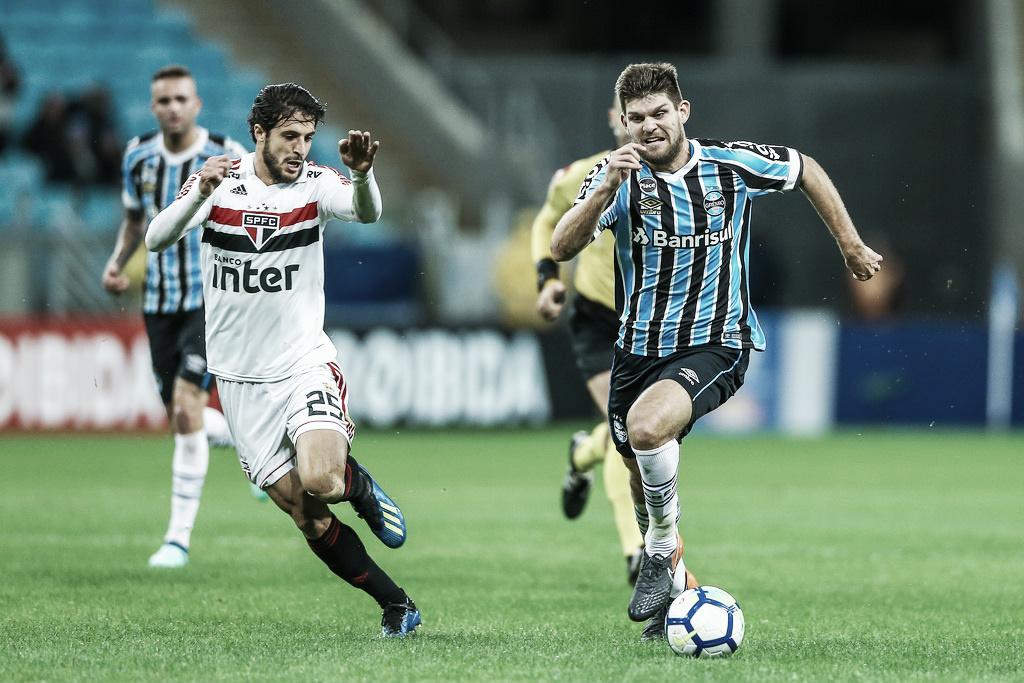 Pelo G-4, São Paulo e Grêmio fazem duelo decisivo no Morumbi
