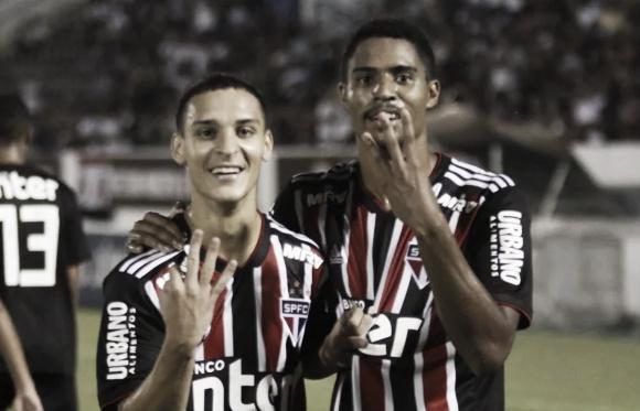 """Antony elogia atuação do São Paulo e celebra vaga na próxima fase da Copa SP: """"Equipe merece"""""""
