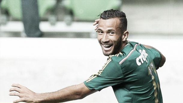 Palmeiras vence Santos com gol de Leandro Pereira e fica a um empate do título do Paulista