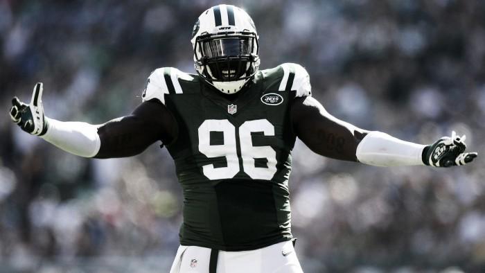 Desde 2011 nos Jets, defensive end Muhammad Wilkerson renova por cinco temporadas