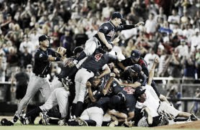 Walking Off to Omaha: Arizona Wildcats become 1st team to clinch College World Series berth