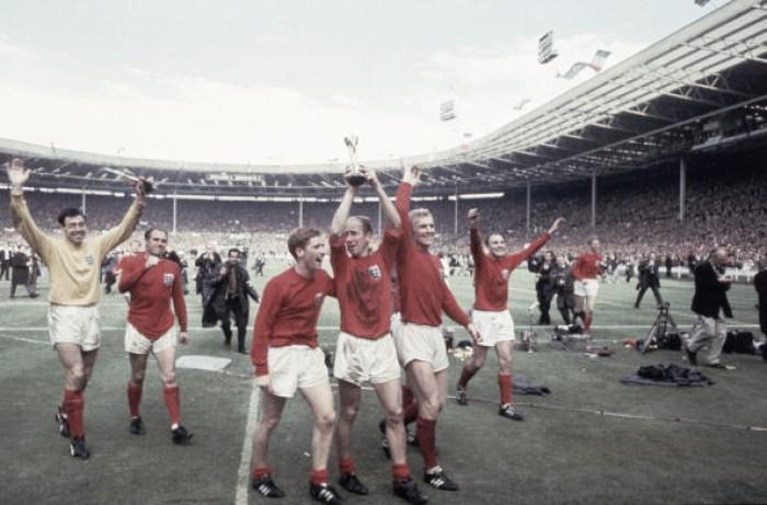 Desastre de Munique, título de 1966 e idolatria: Bobby Charlton e sua trajetória em Copas do Mundo