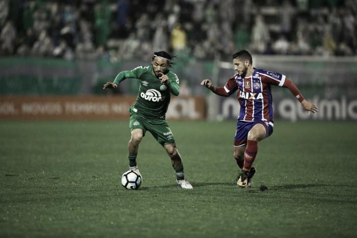Após empate, Vinícius Eutrópio ressalta bom desempenho da Chapecoense no primeiro tempo