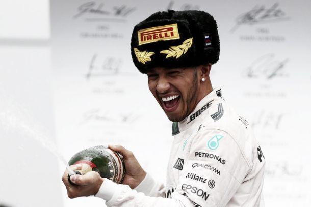 """Formula 1, Hamilton ad un passo dal titolo: """"Non ci penso, nulla è scontato"""""""
