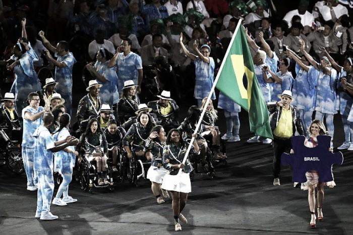 Com protestos a Temer e exemplos de superação, Maracanã recebe abertura dos Jogos Paralímpicos