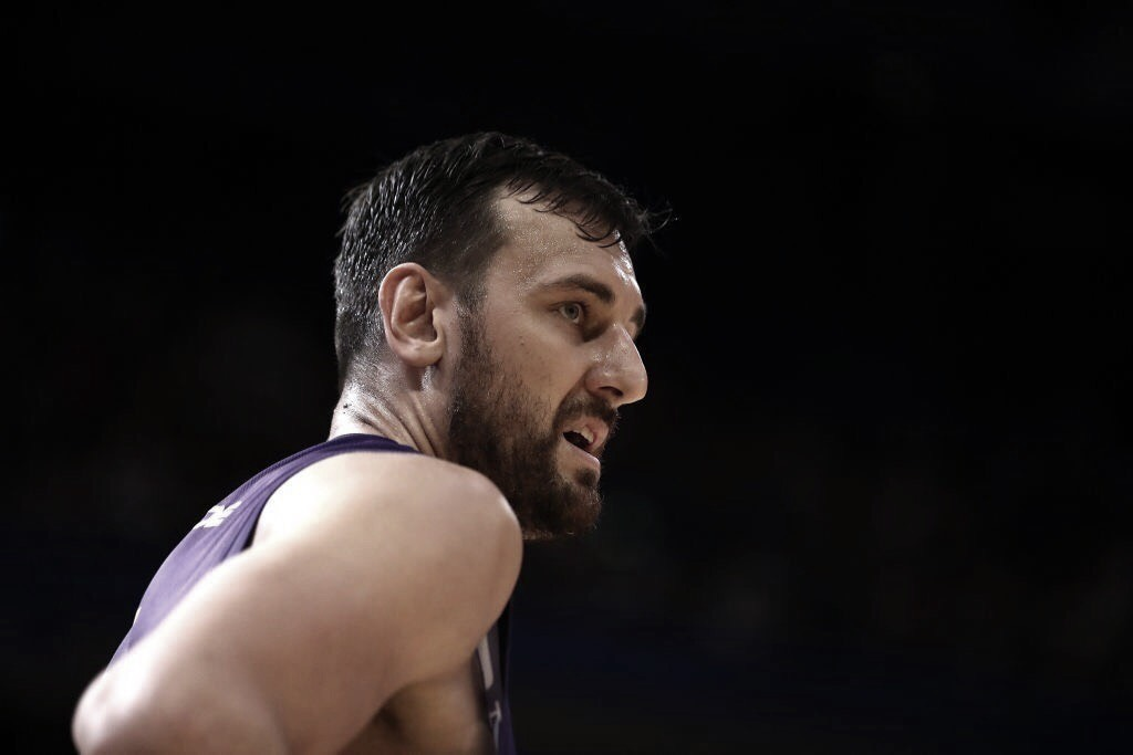 Warriors plan to sign C Andrew Bogut