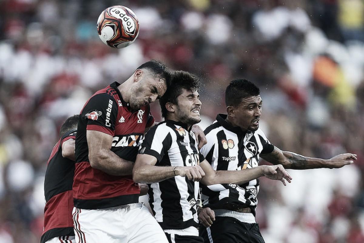 Análise: Botafogo errou em insistir em cruzamentos e mostrou fraqueza na bola aérea novamente