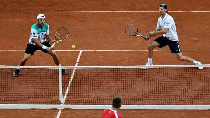 Coppa Davis, Seppi e Bolelli regalano all'Italia i quarti di finale