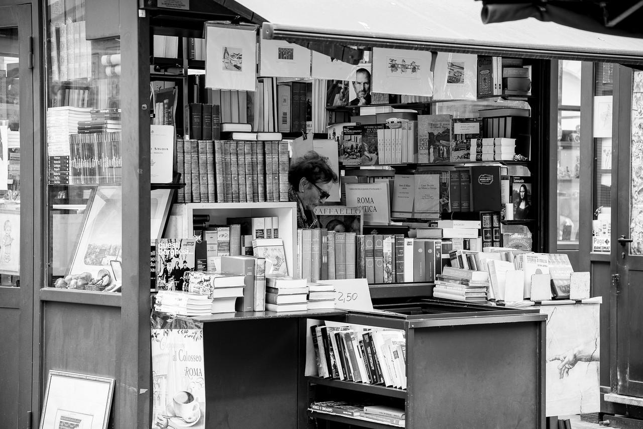 Italia reabre las librerías