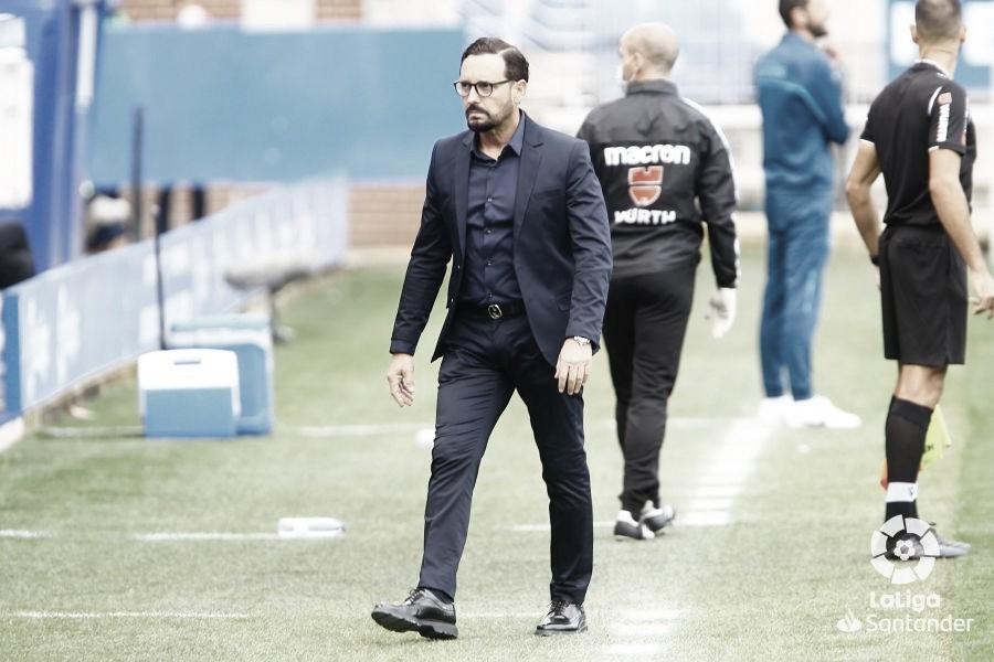 Bordalás en la zona técnica // Fuente: La Liga