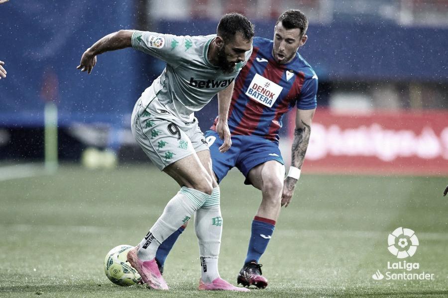Bravo resbalón del Betis en Eibar (1-1)