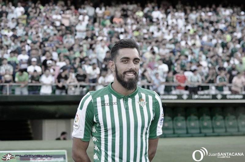Borja Iglesias se despide de Rubi tras su salida del club