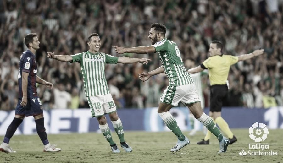 Borja Iglesias, el estreno goleador del delantero estrella del Betis