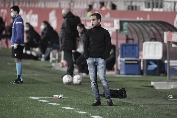 Borja Jiménez en la banda de Montilivi // FOTO: Twitter FC Cartagena.