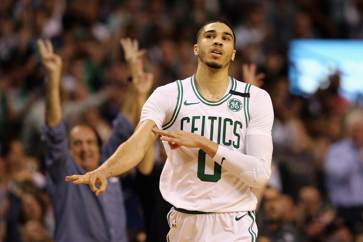 NBA Playoffs, Eastern Conference Finals - Boston non muore mai, James deve inchinarsi al cuore dei Celtics