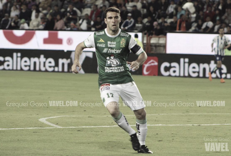 León le muestra la salida a Boselli