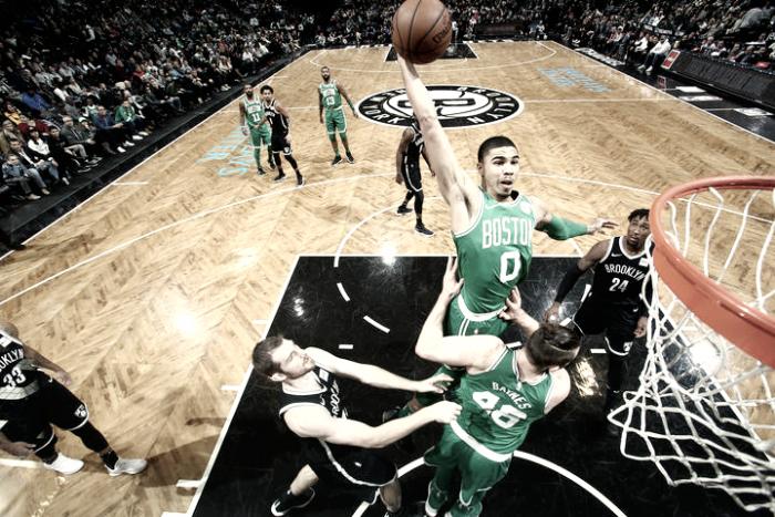 De la mano de Tatum, Boston sigue de racha