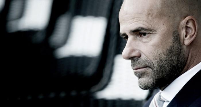 Dortmund mantiene la confianza en Bosz