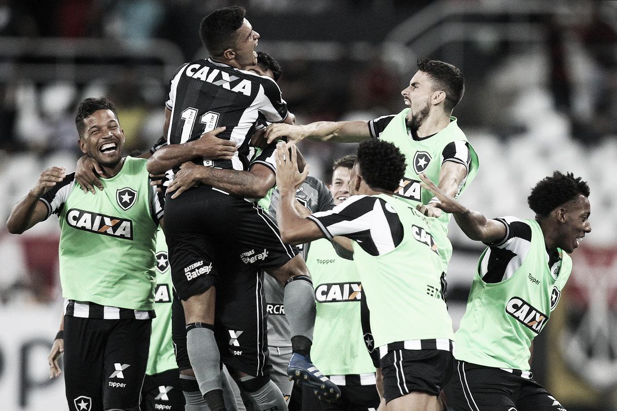 Botafogo bate Flamengo em casa, se distancia do Z-4 e dificulta sonho de título do rival
