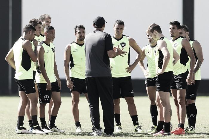 Poupando para clássico contra Flamengo, Botafogo vai com time misto diante do Bragantino