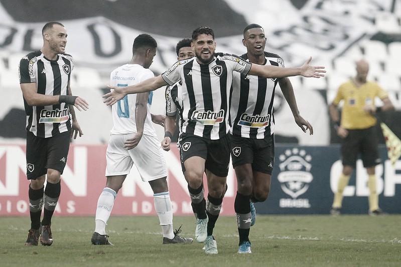Auxiliar Luis Fernando destaca eficiência do Botafogo na goleada sobre o Londrina