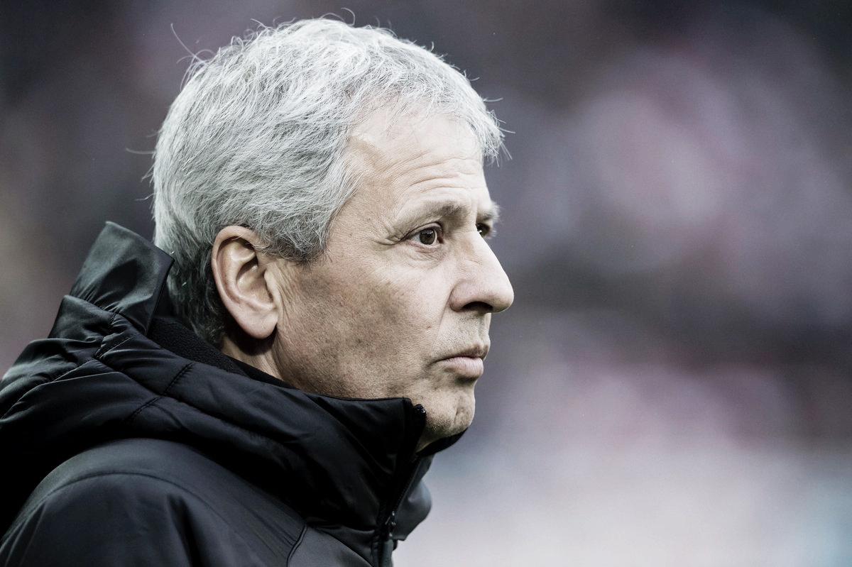 """Lucien Favre exalta vantagem do Borussia Dortmund na liderança: """"Resultado de muito trabalho"""""""