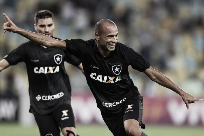 Roger decide de novo, e Botafogo supera o Fluminense no Maracanã
