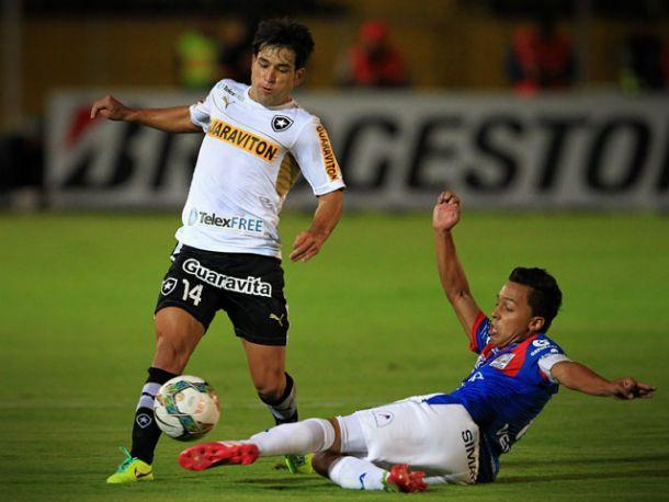 Eduardo Húngaro planeja formação ofensiva no jogo de volta contra o Deportivo Quito