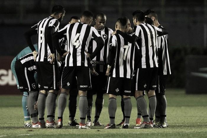 Ricardo Gomes lamenta chances perdidas, mas pede paciência com o Botafogo
