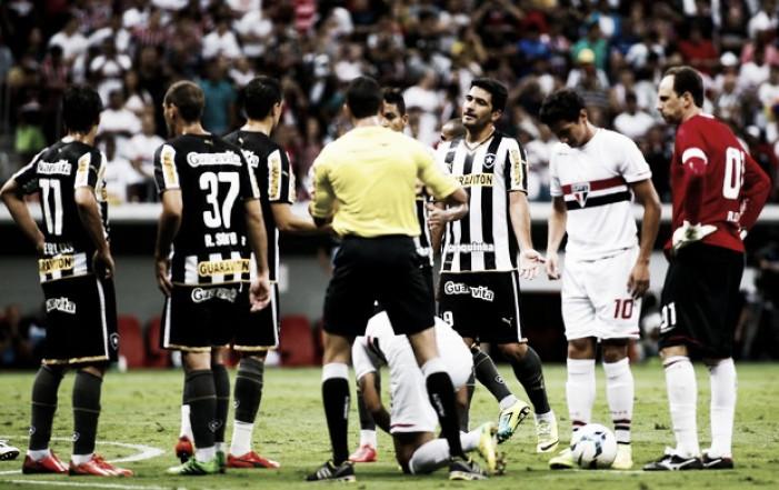 Botafogo e São Paulo medem forças em estreia do Brasileiro pela terceira vez em cinco anos
