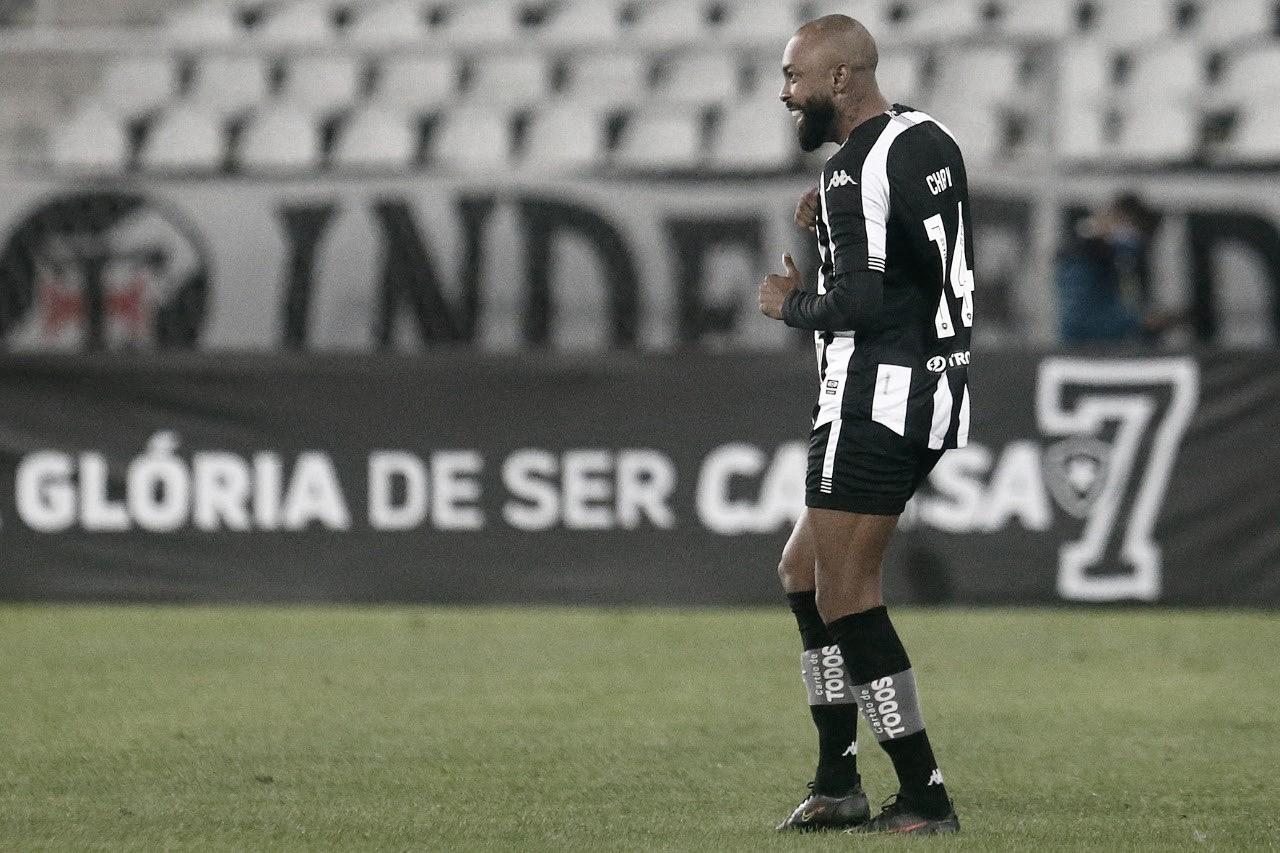 Vasco tem mais posse de bola, mas Botafogo é eficaz e vence clássico na Série B