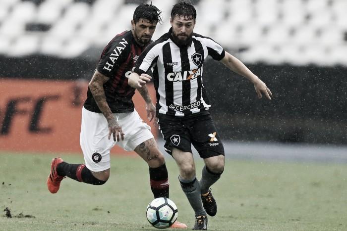 Gatito falha e Atlético-PR supera Botafogo fora de casa