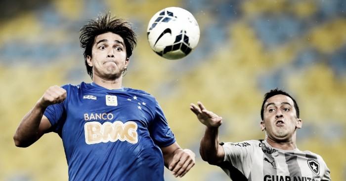Botafogo e Cruzeiro se enfrentam visando regularidade no Campeonato Brasileiro