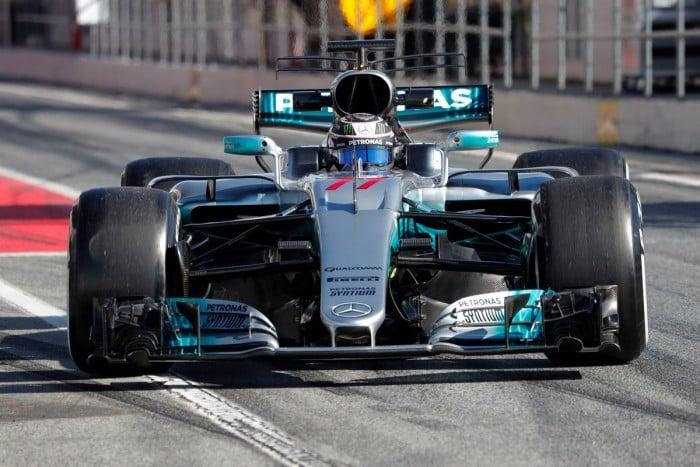 Test di Barcellona: uno scatenato Raikkonen porta la Ferrari in vetta