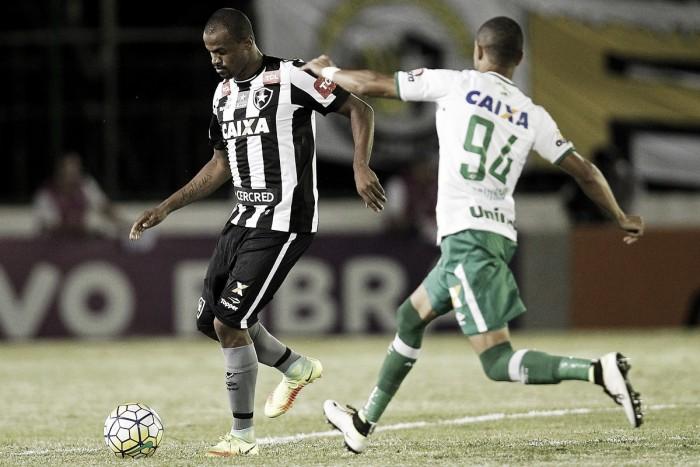 Chapecoense segura pressão do Botafogo, vence fora de casa e engata segundo triunfo seguido